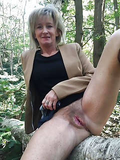 Remarkable, this mature sitting upskirt flashing picture necessary